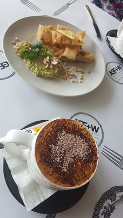 Art Gallery Food + Wine: Coffee and Turkish bread and dip.