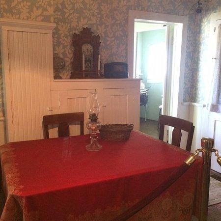 North Platte, Nebraska: Kitchen table