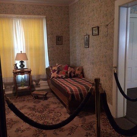 North Platte, Nebraska: Mrs Cody's Day Bed