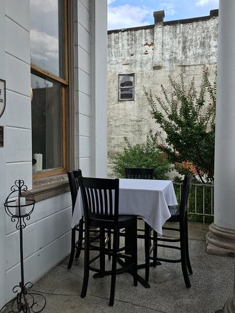 Washington, Kuzey Carolina: The Bank Bistro & Bar