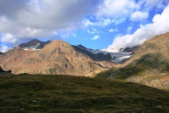 Бормио, Италия: Glacier on top of Gavia pass