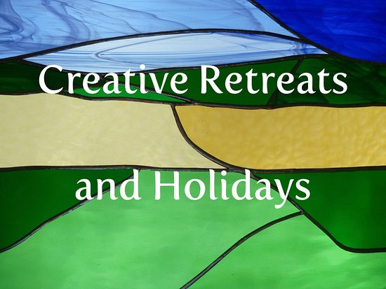 ‪Creative Retreats and Holidays‬