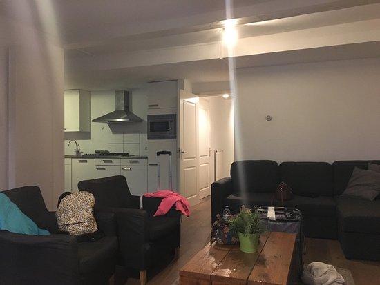 PH Apartment Suites: photo2.jpg