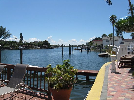 Bay Palms Waterfront Resort - Hotel and Marina: Pleasant harbor.
