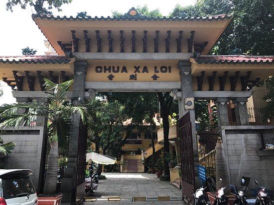 Temple of the Buddha's Relic (Xa Loi pagoda)