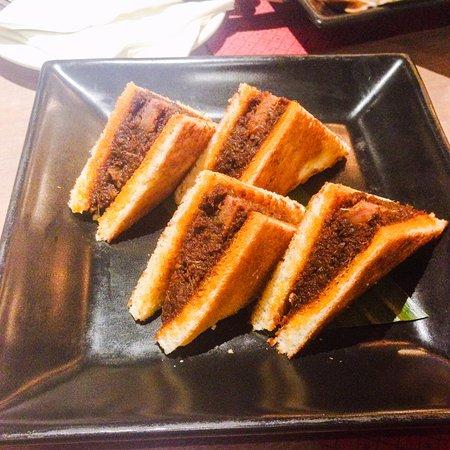 marco padang peranakan roti rendang