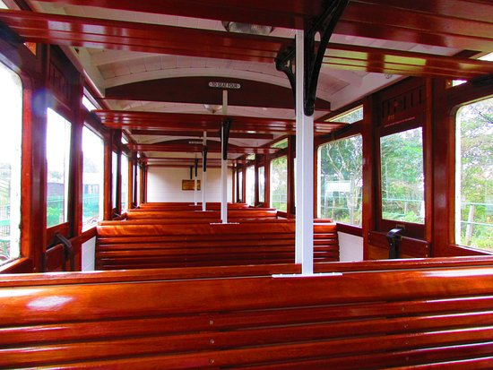 Parracombe, UK: Inside one of the lovely carriages