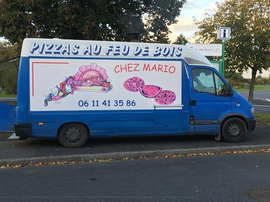 Mondeville, Francia: Le camion de Mario