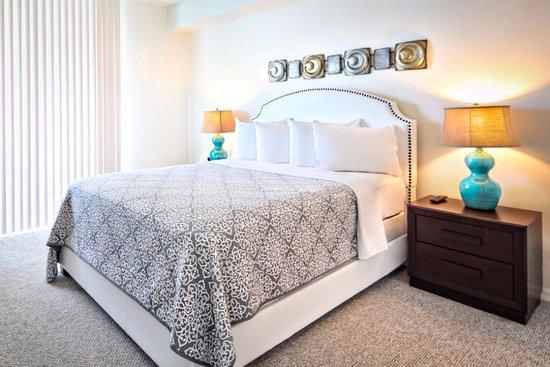 Sunny Isles Beach, FL: Good night sleep @ Globe Quarters Miami Apartments