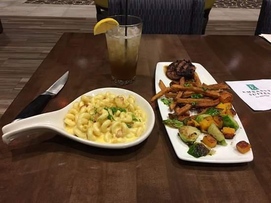 Hillsboro, OR: Bacon Wrapped Beef Tenderloin with spicy mac side dish