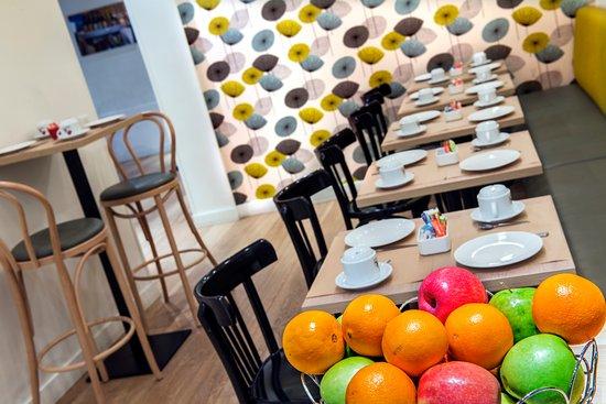 Hotel Villa Bohème: salle de petit déjeuner