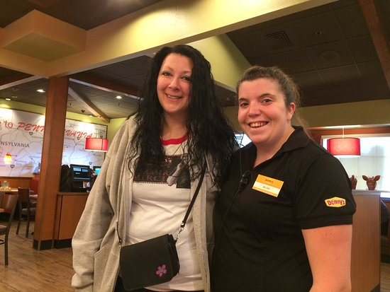 Carlisle, Pensylwania: Melissa is the BEST server