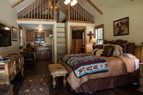 Decatur, TX: Cabin #1