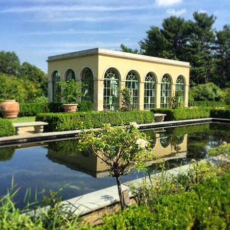 Snug Harbor Cultural Center : The Tuscan Garden is always a delight for visitors.