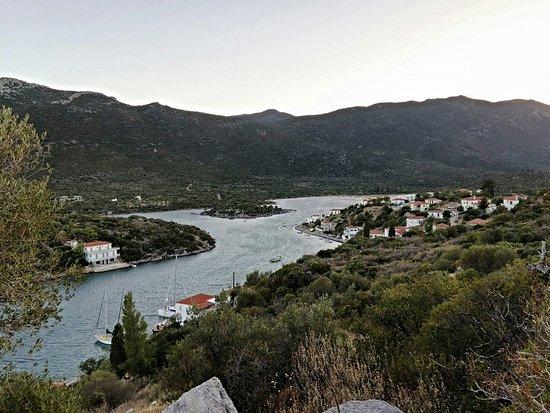 Porto Cadena Residences: Λιμάνι Γέρακα.