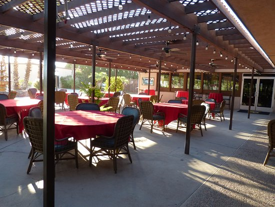 Imperial Palms Hotel & Resort: Patio Dining