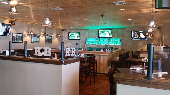 Dumas, TX: Come enjoy one of our 2 spacious fully stocked bars!