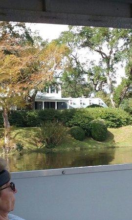Murrells Inlet, Carolina del Sur: High water near a rice plantation home