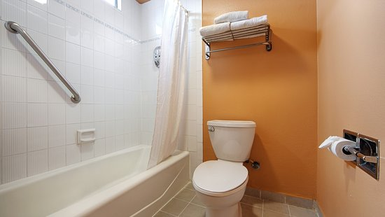 El Cajon, Καλιφόρνια: Guest Bathroom