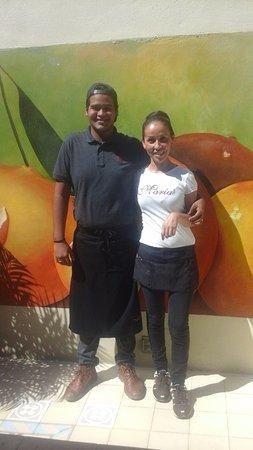 San Francisco, Μεξικό: Cairo and Saida, two of the fantastic servers at Maria's