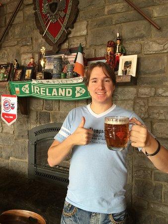 Watertown, Dakota du Sud : Owner Sean Dempsey + Britannic Mug + Frostibte