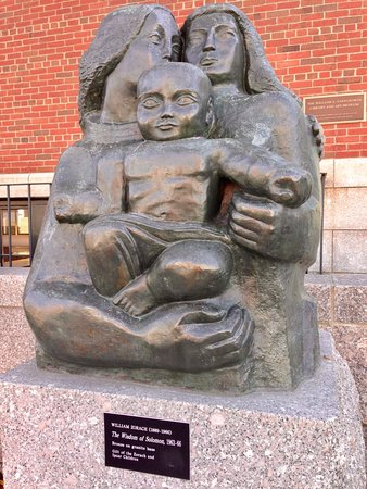 Rockland, ME: Zorach statue on Farnswowrth grounds
