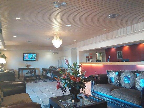 American Inn & Suites Mesa: Hotel Lobby