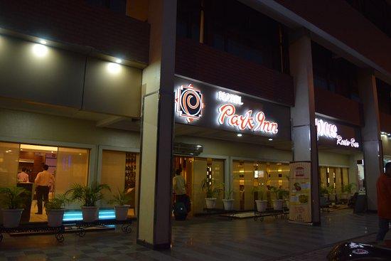 Hotel Park Inn : Front