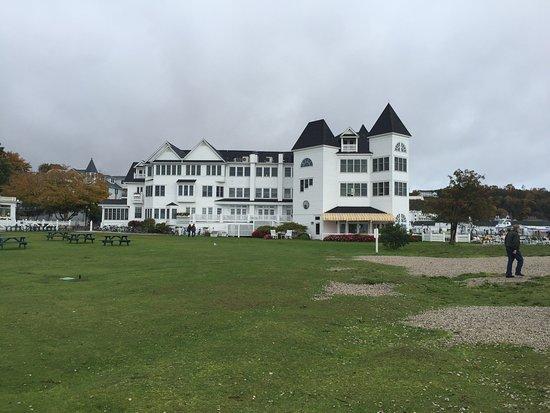 Hotel Iroquois: photo1.jpg
