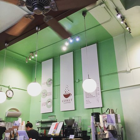 Comet Coffee: interior