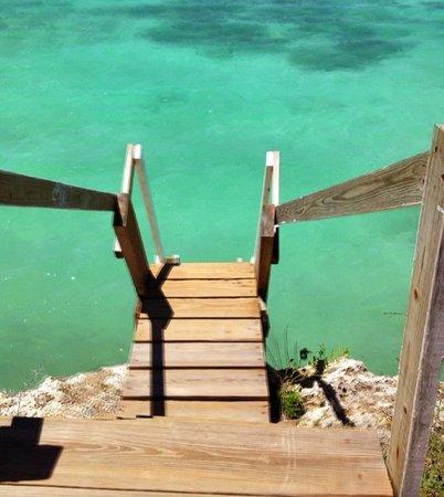 Savaneta, Aruba: entrada al paraiso, la escalera para entra a magel halto, parece una picsina