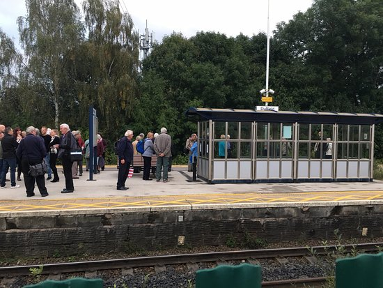 Wirksworth, UK: A busy Duffield Platform with EVR visitors