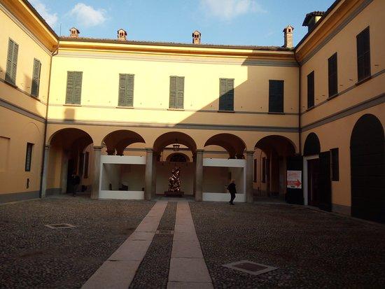 Vaprio d'Adda, Italia: Il cortile interno