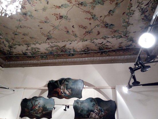 Vaprio d'Adda, Italia: Altro soffitto affrescato