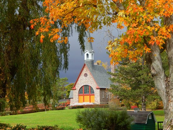 Just as beautiful in Autumn..the church at Grand Pre