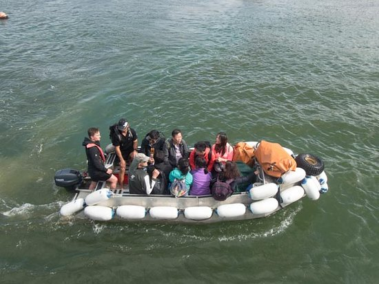 Abel Tasman National Park, New Zealand: Zodiac with some of our fellow passengers