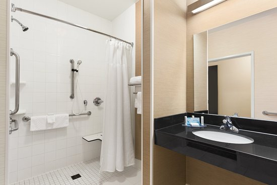 Racine, WI: Accessible Room