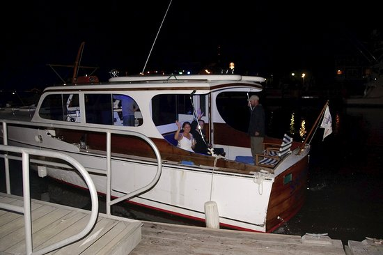 Centerline Charters: The newly married couple depart !