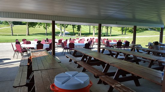 Troy, MO: Outdoor Venue for Golf Outings