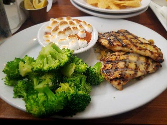 Pflugerville, Teksas: FD's Grillhouse