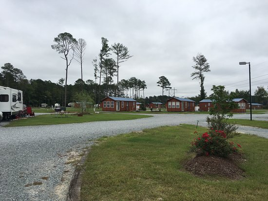 Four Oaks, Carolina del Norte: cute little cabins available