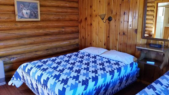 Branding Iron Inn: Brand new cheery warm quilts will keep you cozy!!!