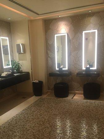 The Westin Dubai Mina Seyahi Beach Resort & Marina: Restroom