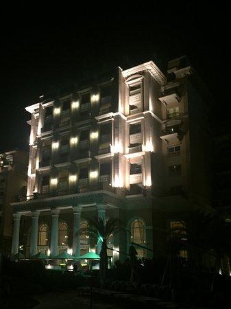 The Westin Dubai Mina Seyahi Beach Resort & Marina: Night view