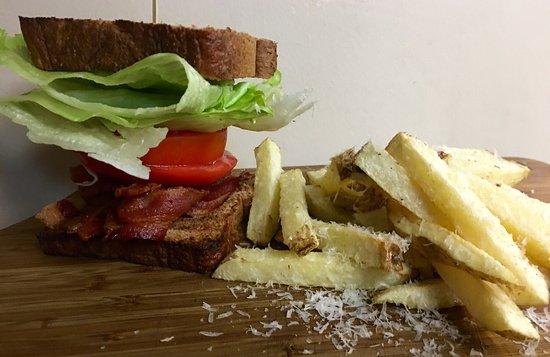 Somerset, Pensilvania: Blt and truffle fries