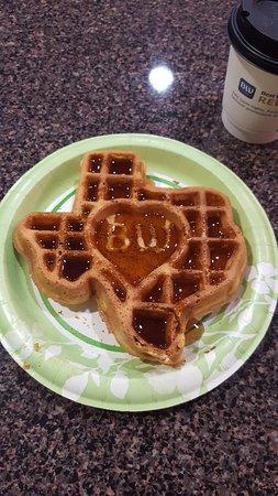 Cedar Park, تكساس: Texas waffle!