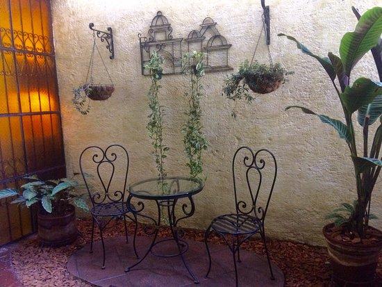Casa Florencia Hotel: Excelente ubicación   Está a la distancia perfecta del centro de la ciudad, los restaurantes,