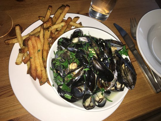 Brasserie Four : Mussels & Frites