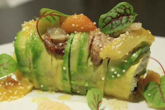 Varennes, Canada: Spécialité Sushi: Maki Foie Gras