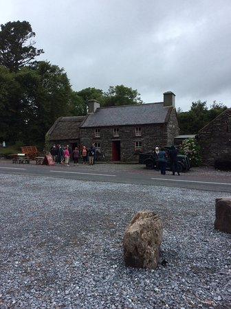 Kenmare, Irlanda: Front of the property